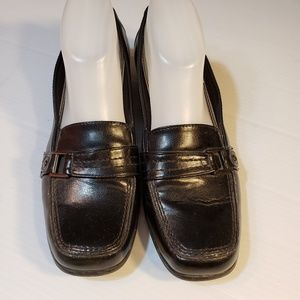 READ INFO Life Stride Soft System Leather Loafers